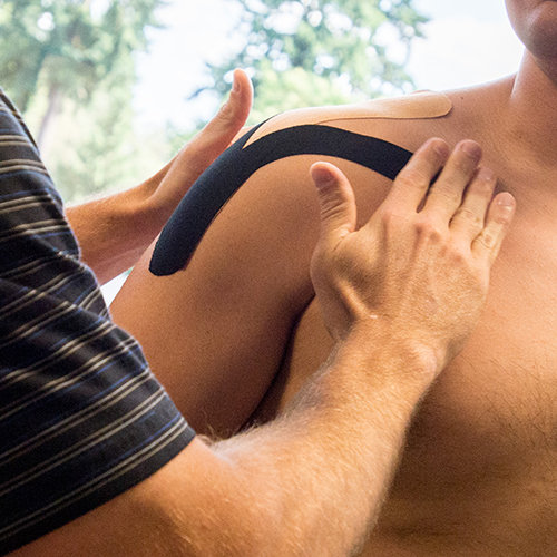 Renew_Physical_Therapy_Treating A Rotator Cuff Tear Injury With Physical Therapy